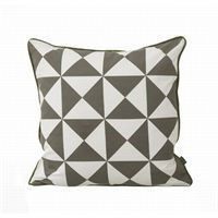 Ferm Living - Pude - Large Geometry (gr�/sort)
