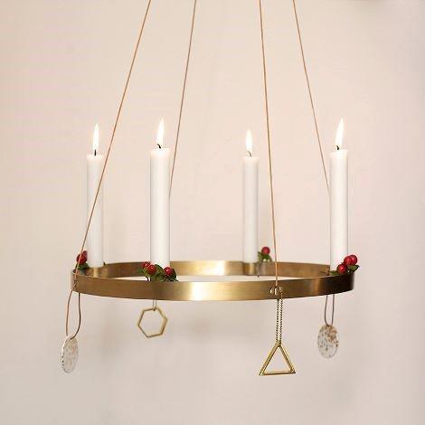 ferm living lysestage i messing til 4 lys gratis fragt. Black Bedroom Furniture Sets. Home Design Ideas
