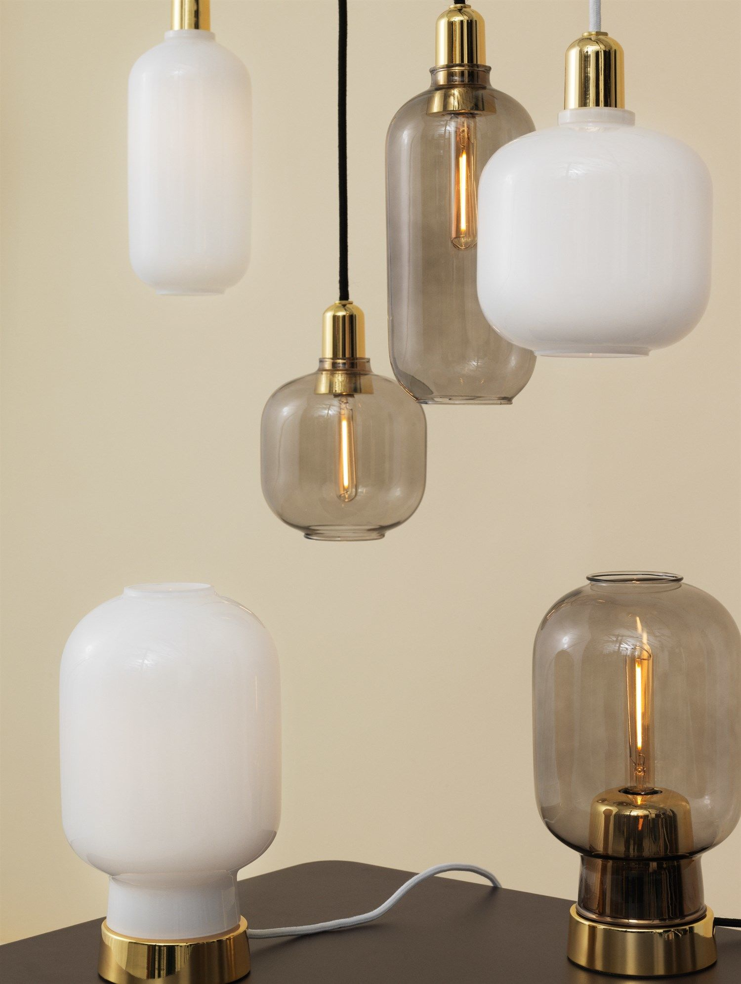 normann copenhagen amp pendel large hvid messing fri fragt. Black Bedroom Furniture Sets. Home Design Ideas